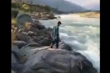 Adolescente muere por querer un video junto al río