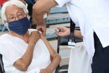 En dos días, se cumplió primera etapa de vacunación para personas adultas mayores en Tuxtla