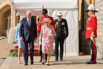 En lujosa ceremonia, Joe y Jill Biden son recibidos por la reina Isabel II