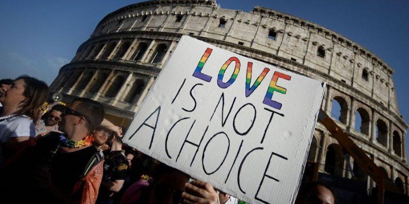 El Vaticano pide a Italia que cambie su proyecto de ley contra la homofobia y transfobia