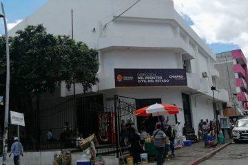 Niega Registro Civil en Chiapas actas de nacimiento a hijos de pareja homoparental