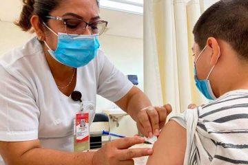 Primer menor con factor de riesgo, se vacuna contra Covid-19 en Chiapas